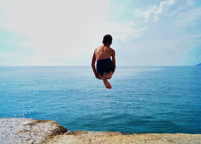 saltar al agua pexels erdinc ersoy 1655822 1