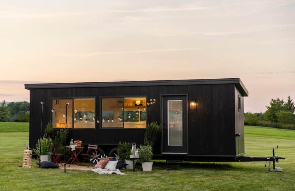 IKEA lanza una colección de minicasas sostenibles con viviendas sobre ruedas que se pueden remolcar con cualquier coche
