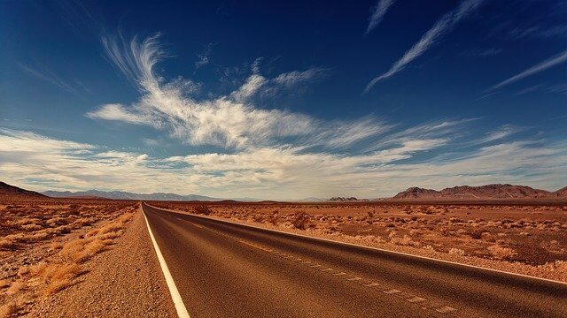 curiosidades sobre Las Vegas road 3856796 640 1