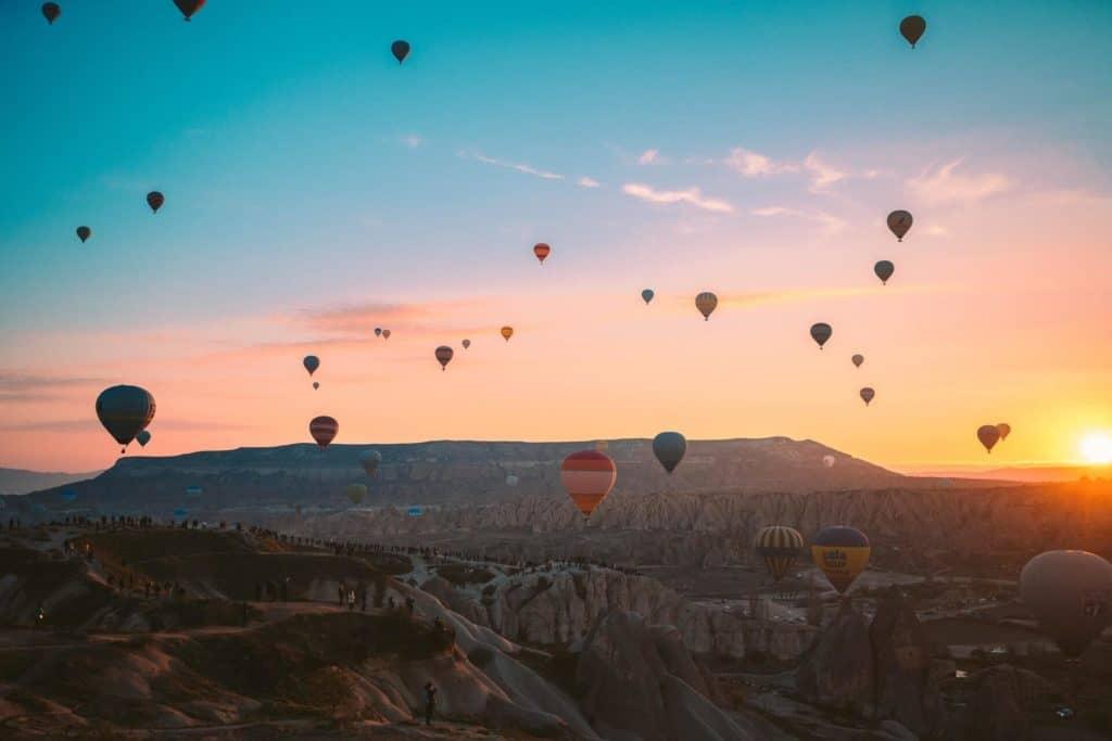 imagen volar en globo aerostático pexels taryn elliott 3889704 1
