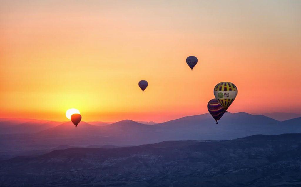 imagen volar en globo aerostático pexels snapwire 670061 1