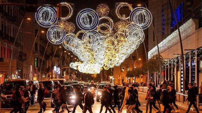 Así se vivió la ceremonia del encendido de las luces de Navidad en Barcelona