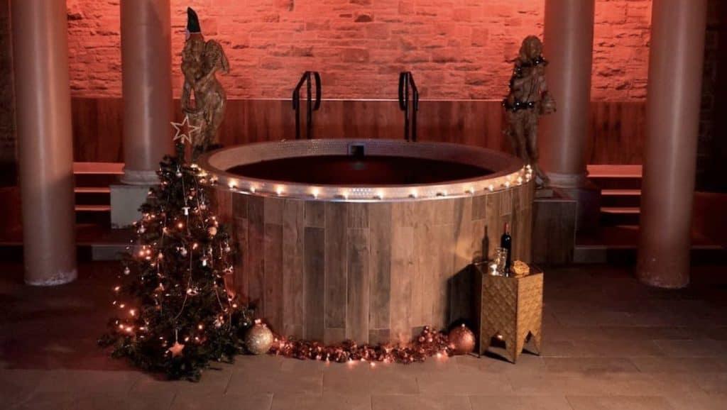 imagen jacuzzi con vino caliente spa de vino caliente 2