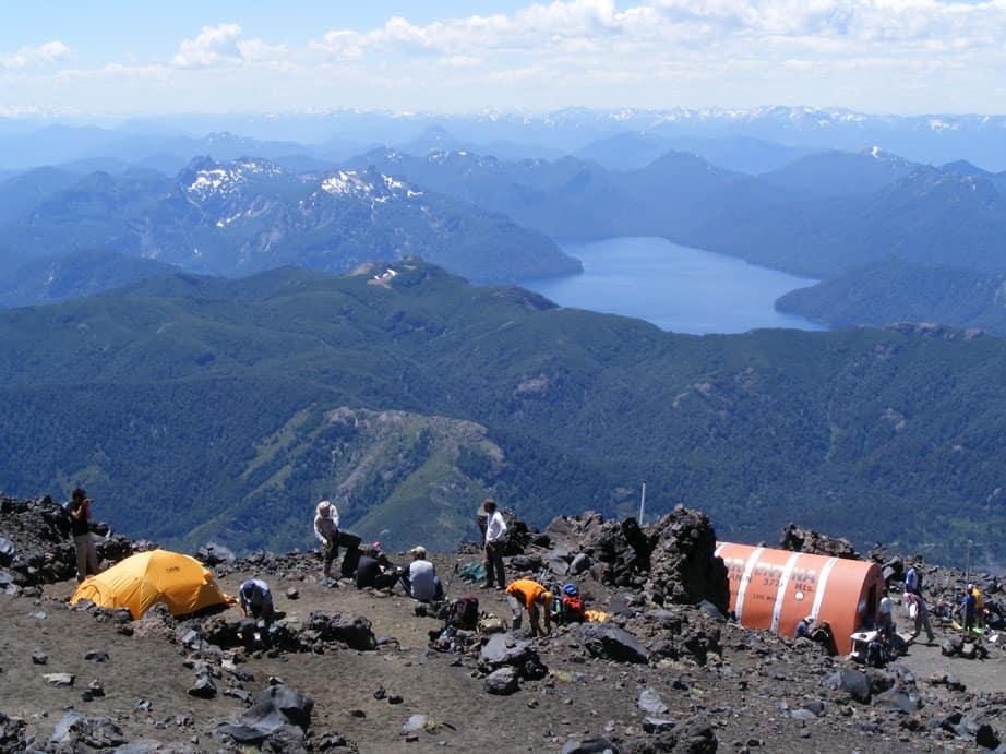 El Parque Nacional Lanín dio luz verde a la vuelta del pernocte en el refugio del Volcán Lanín