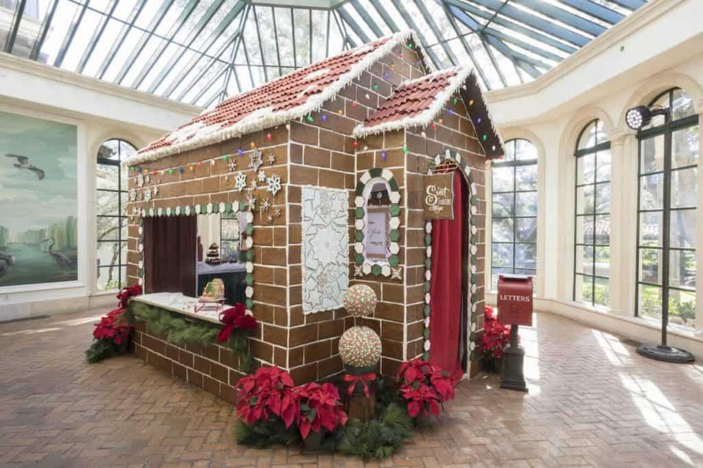 Este resort de lujo en Georgia posee una casa gigante hecha a mano con más de 1.840 libras de pan de jengibre para celebrar la Navidad