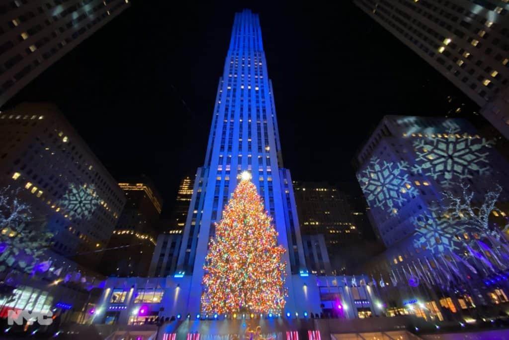 Nueva York inauguró su Navidad con el tradicional encendido del imponente árbol de Rockefeller Center