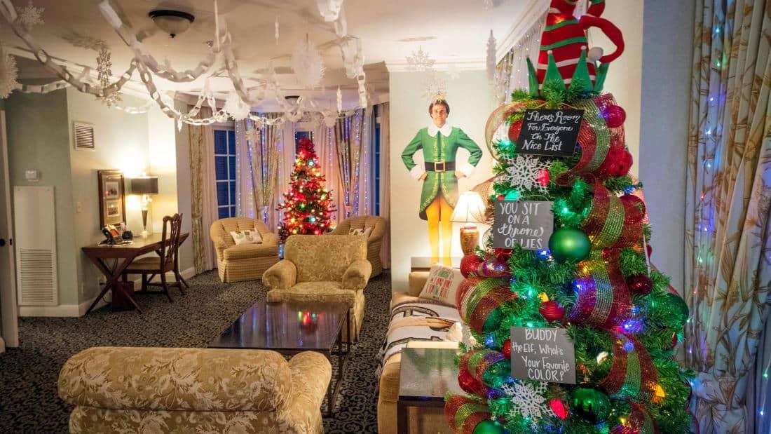 Es posible alojarse en una habitación de hotel inspirada en Buddy de la película navideña Elf