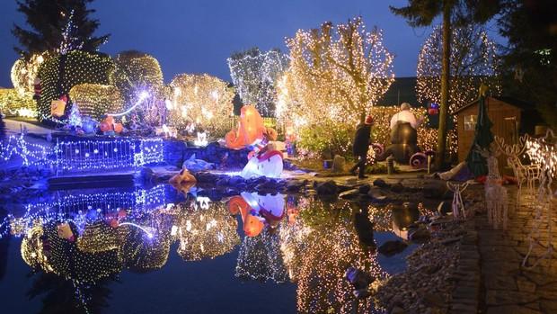 La casa con la mayor decoración navideña de Europa existe está en Austria y fue decorada con seiscientas mil luces 2