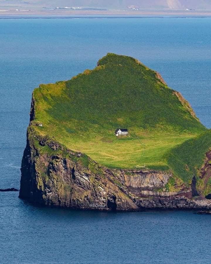 imagen archipiélago de Vestmannaeyjar Sueno o pesadilla Asi es la casa mas alejada y remota del mundo situada en Islandia 3