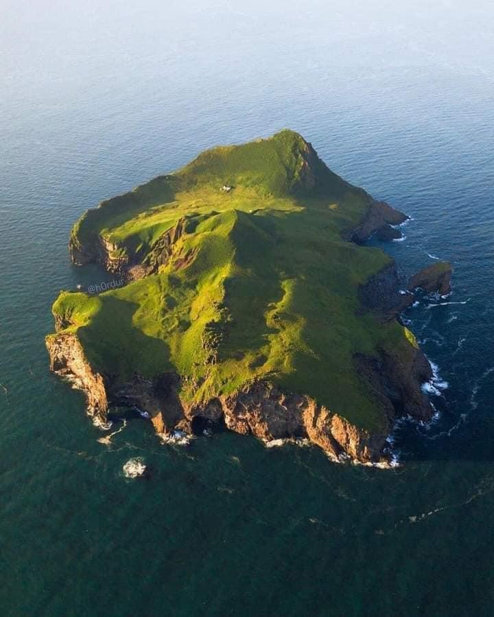 imagen archipiélago de Vestmannaeyjar Sueno o pesadilla Asi es la casa mas alejada y remota del mundo situada en Islandia 4