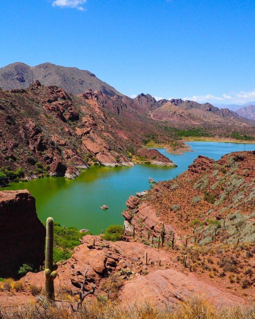 Cómo llegar a la laguna de Brealito, un paraíso natural de Salta