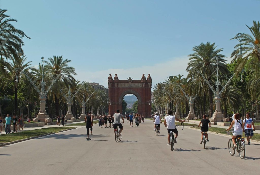 ciudades del mundo para visitar en bicicleta j shim FtOHpWWoLHk unsplash 1