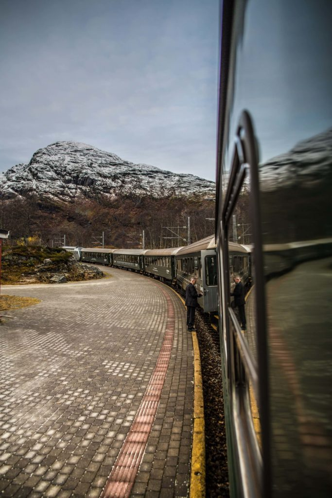 rutas europeas para recorrer en tren nicolai berntsen yQ02aYjSQlI unsplash 1