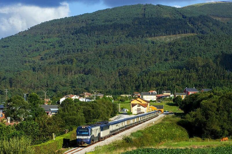 rutas europeas para recorrer en tren 50182318097 180300dfb9 c 1