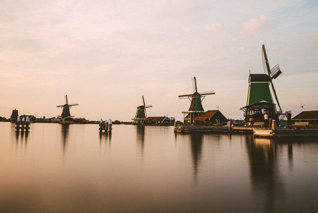 imagen molinos de viento que merecen la pena visitar moritz kindler I5zb8Tw Avc unsplash 1