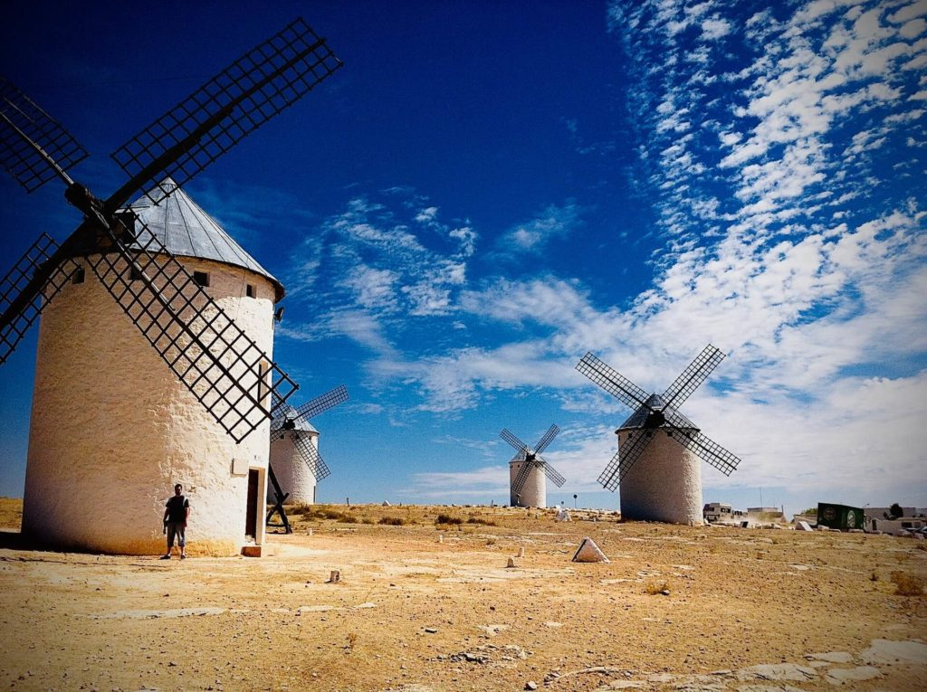 imagen molinos de viento que merecen la pena visitar estela romero YQKnmODgi k unsplash 1