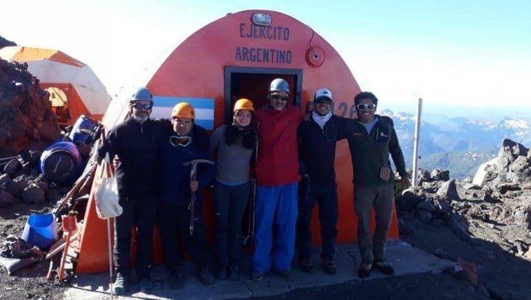 Un Grupo De No Videntes Realizó Un Ascenso Al Volcán Lanín Demostrando Que Nada Es Imposible
