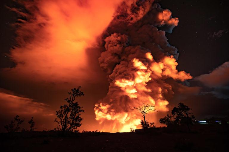 Hawái: el volcán Kilauea, uno de los más activos del mundo, entró en erupción y las autoridades piden a la población que tome precauciones