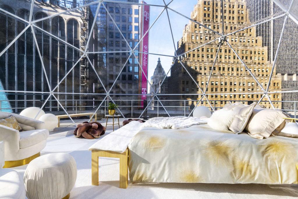 Imagen Experiencia De Airbnb Dormir En Una Burbuja En Times Square Es La Nueva Experiencia De Airbnb Para Las Fiestas Que Podria Volverse Furor El Resto Del Ano 2