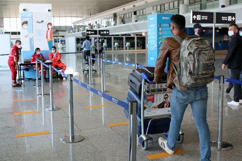 Italia permitirá el ingreso de personas que viajen desde el Reino Unido pero con algunas restricciones