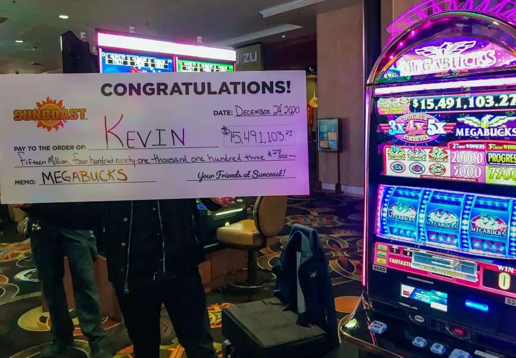 Un jugador de un casino de Las Vegas ganó el pozo acumulado de casi 15.5 millones de dólares en vísperas de Navidad