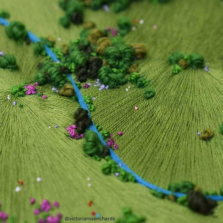 paisajes Estos bordados 3D de paisajes capturan coloridas vistas aereas de la Inglaterra rural 3