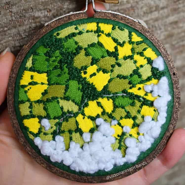 paisajes Estos bordados 3D de paisajes capturan coloridas vistas aereas de la Inglaterra rural 6