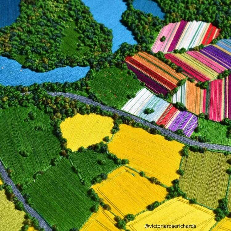 paisajes Estos bordados 3D de paisajes capturan coloridas vistas aereas de la Inglaterra rural 5