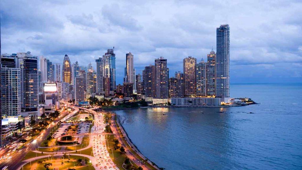 Panamá extiende cuarentena hasta el 14 de enero como intento para frenar la pandemia de coronavirus
