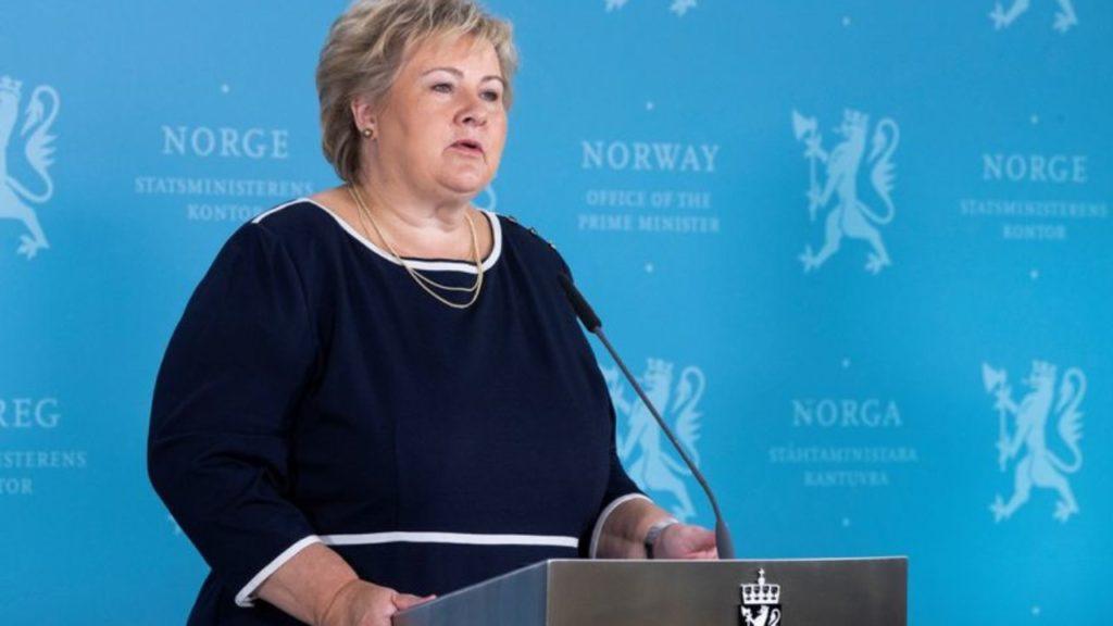 Noruega impone nuevas restricciones en un intento de frenar una tercera ola de contagios de COVID-19