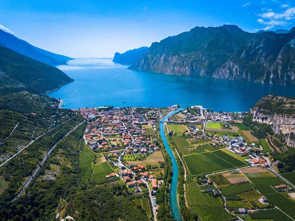 imagen requisitos para entrar a El lago mas grande de Italia ahora tendra su propio sendero para disfrutar en bicicleta esto es todo lo que tienes que saber