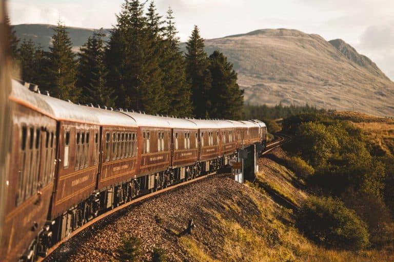 Este lujoso tren retomará sus recorridos por las Tierras Altas de Escocia a partir de Abril 2021