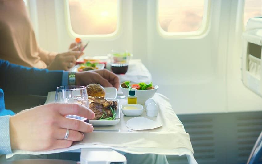 Las autoridades de Tailandia prohibieron las comidas y bebidas en los vuelos domésticos
