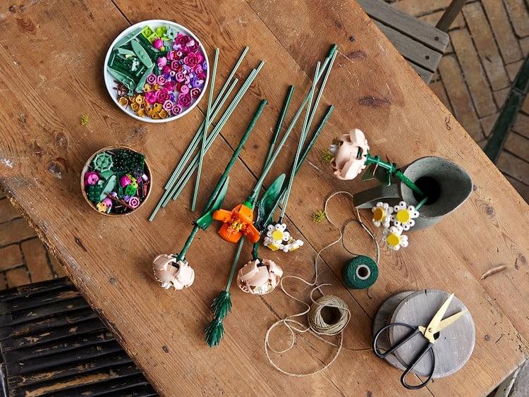 LEGO lanza diferentes sets inspirados en una colección botánica (y son ideales para quienes les cuesta conservar las plantas)