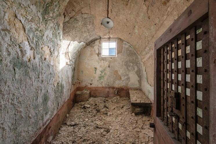 prisión de Autun Francia Asi es como luce hoy la prision abandonada de Autun una de las primeras en adoptar el modelo panoptico 2