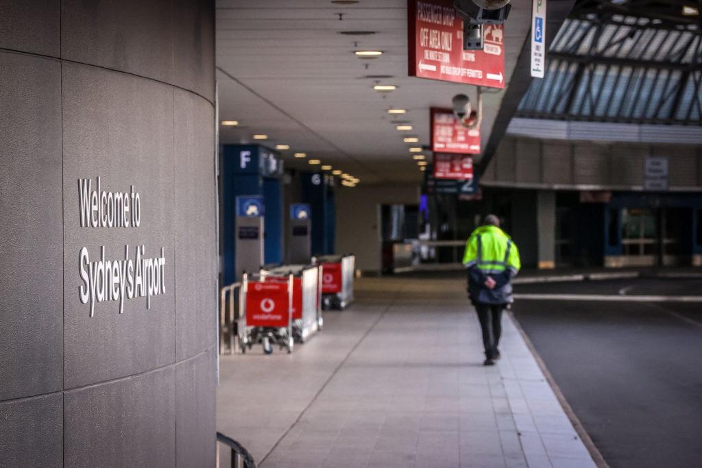 Australia solicita prueba negativa de COVID-19 antes de abordar a todas las personas que viajen al país
