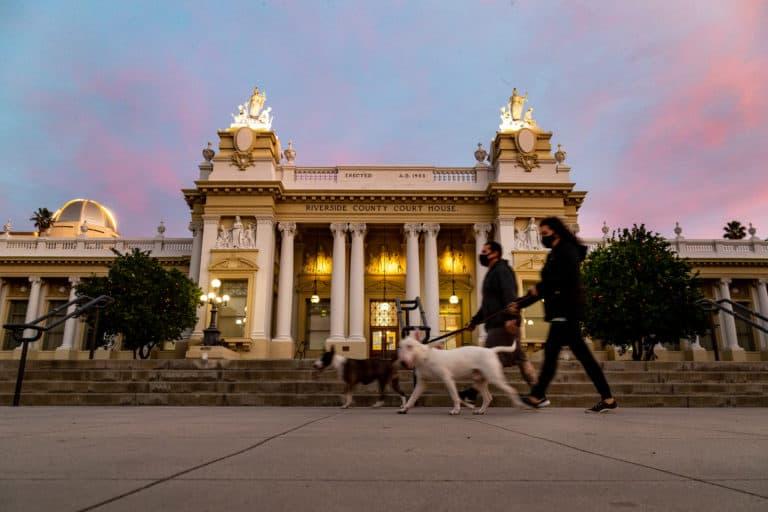 California solicita a sus residentes que permanezcan dentro de un radio de 190 kilómetros de su hogar