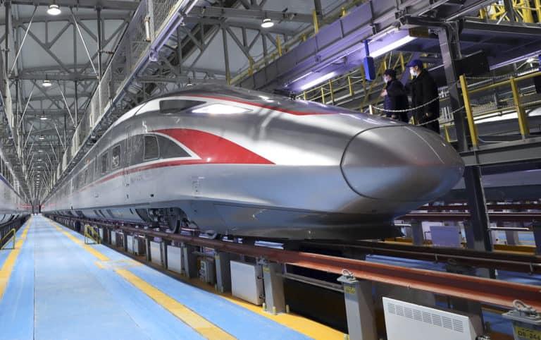 China presentó su nuevo tren bala que posee la capacidad de funcionar en temperaturas extremadamente frías
