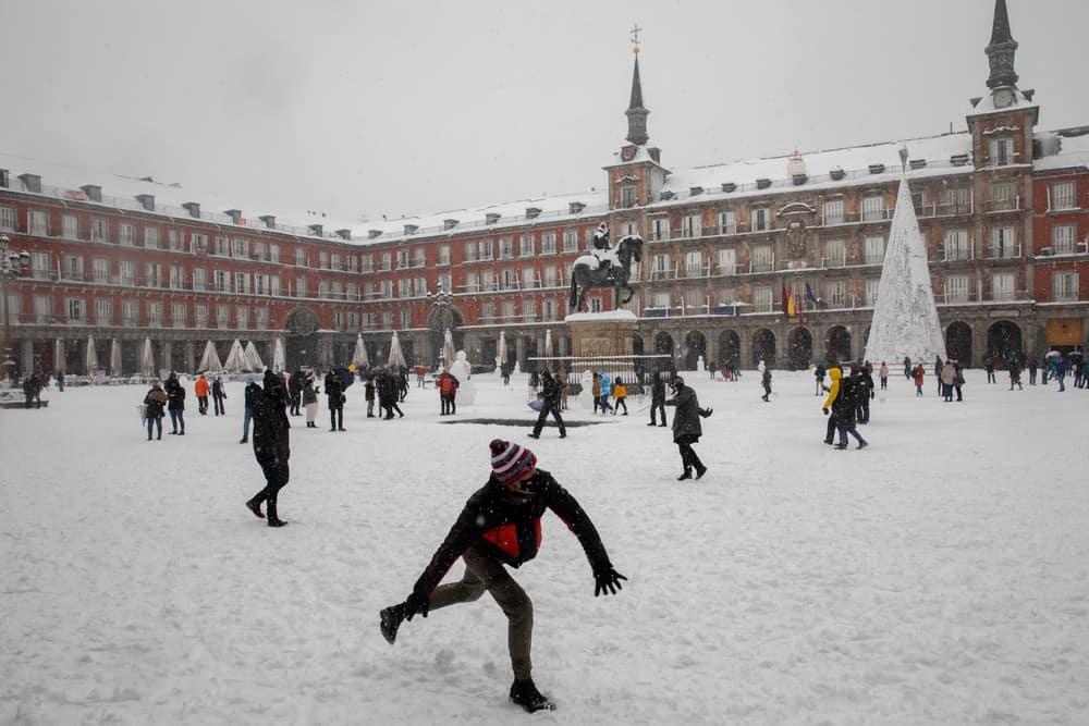imagen calles de Madrid GALERIA Lo que Filomena dejo en las calles de Madrid 10 las mejores fotografias de una ciudad tenida de un historico temporal de nieve
