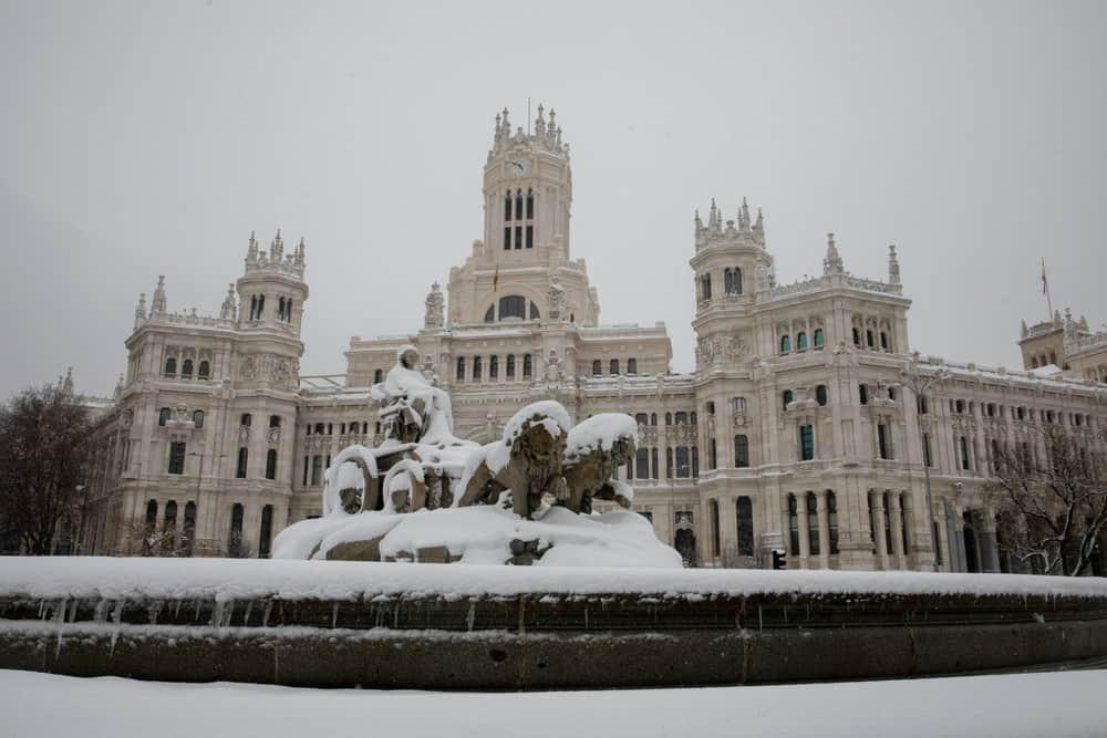 imagen calles de Madrid GALERIA Lo que Filomena dejo en las calles de Madrid 5 las mejores fotografias de una ciudad tenida de un historico temporal de nieve