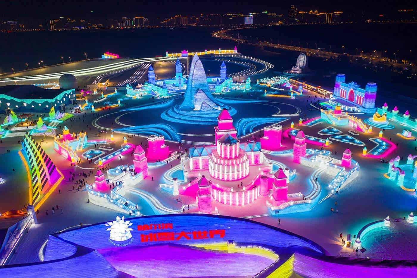 China ya esta disfrutando de su espectacular Festival de Esculturas de Nieve y Hielo, en Harbin