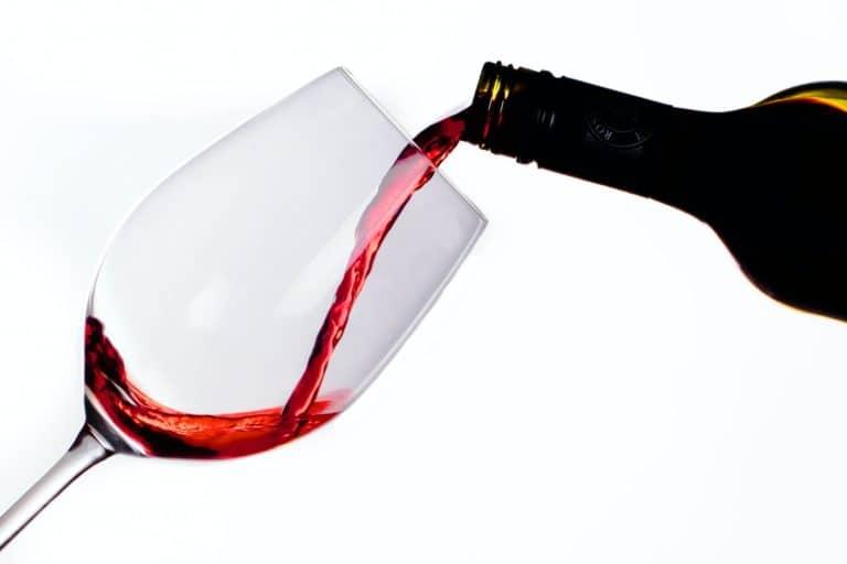 12 botellas de vino que se estuvieron añejando en el espacio hacen su regreso a la Tierra luego de un año, casi listas para servir