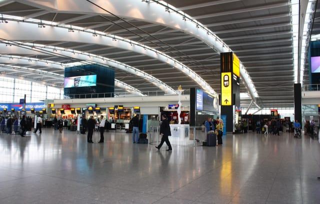 Ahora es Reino Unido quien cierra su conectividad aérea con Sudamérica por la nueva cepa brasileña