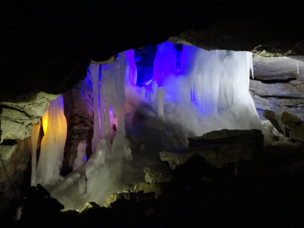 imagen cuevas más coloridas del mundo 14449184586 8060984ac3 k 1