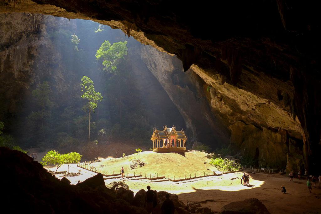 imagen cuevas más coloridas del mundo 25541792387 830d077116 h 1