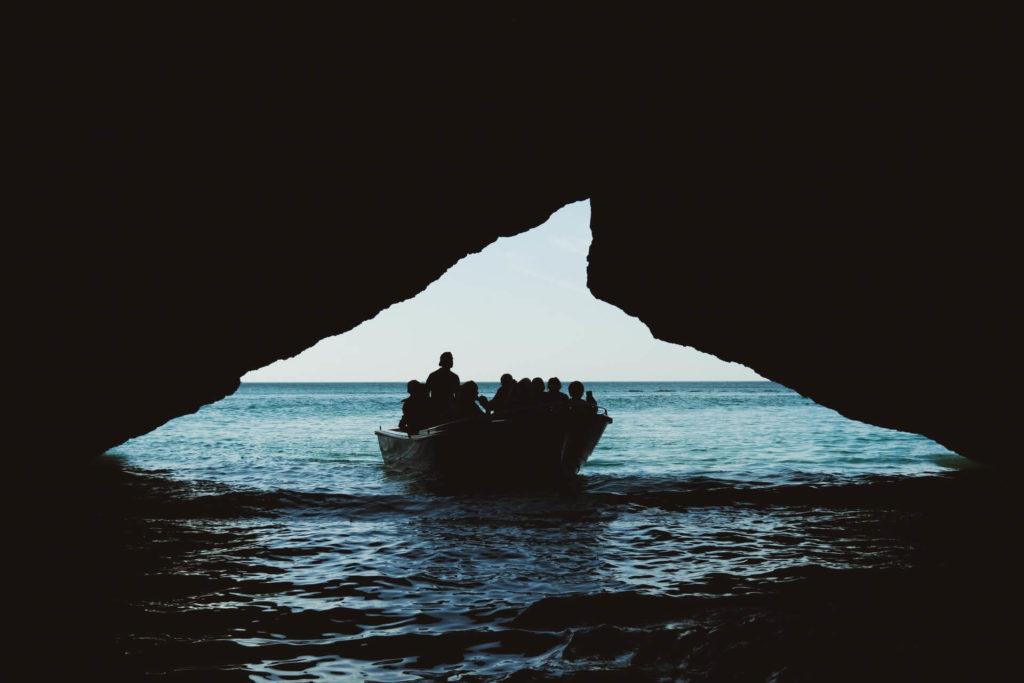 imagen Cueva de Benagil kelly gastigar h0EOEnZtB58 unsplash 1