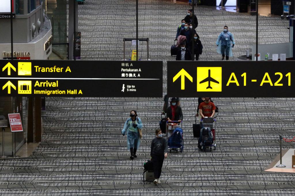 Todas las personas que viajen a Singapur se tendrán que hacer un test de COVID-19