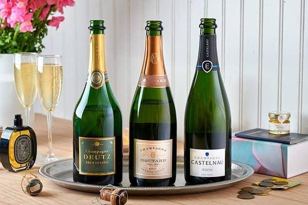 La aerolínea American Airlines lanzó su 'Club de vino' y cuenta con las bebidas que tienen a bordo de sus aviones