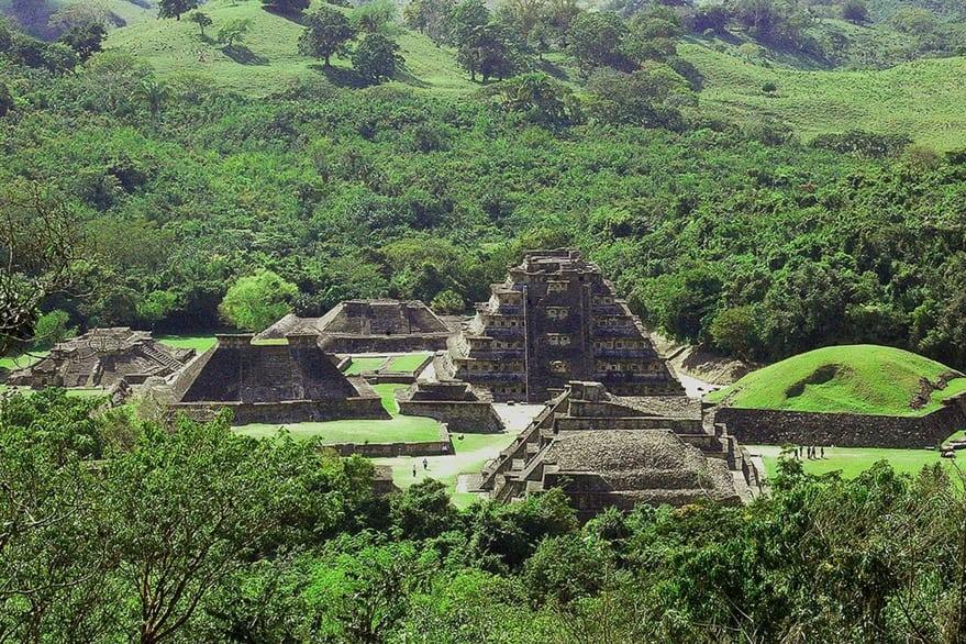 Descubren reliquias arqueológicas en la ruta del Tren Maya: incluyen desde pirámides hasta fragmentos de vasijas