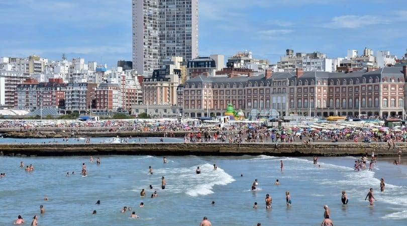 Alerta en la costa atlántica argentina: el agua del mar en Mar del Plata registró la temperatura más alta desde 2013